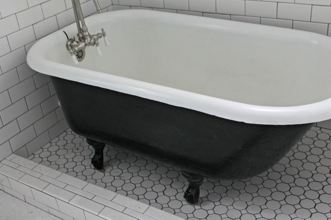 Best diy link party 156 redouxinteriors - Painting clawfoot tub exterior paint ...