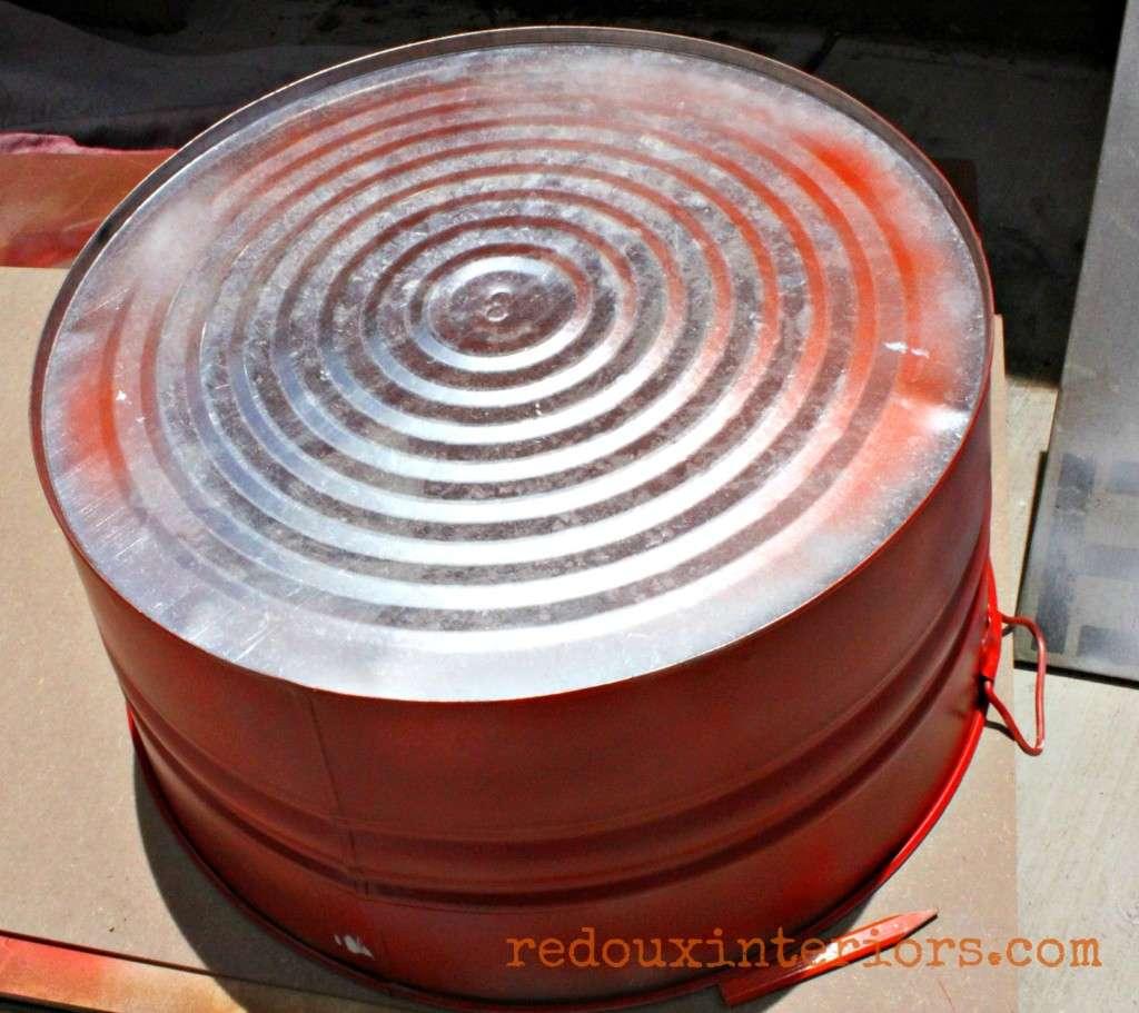 Spray Paint Galvanized bucket redouxinteriors