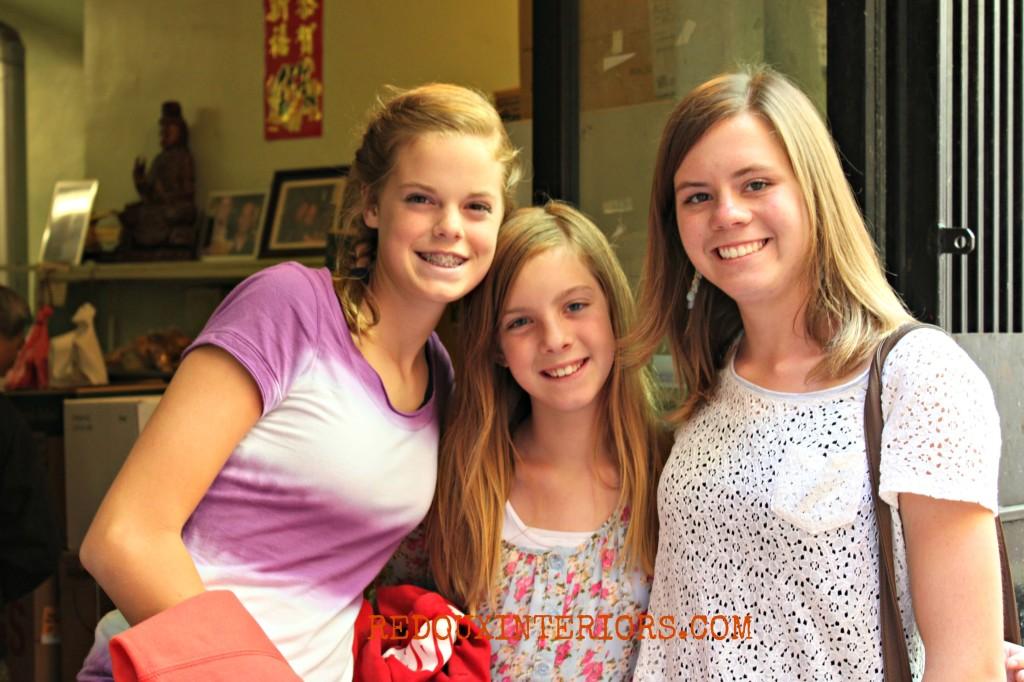 Ali, Karoline, Rachel at Chinatown WITH WM